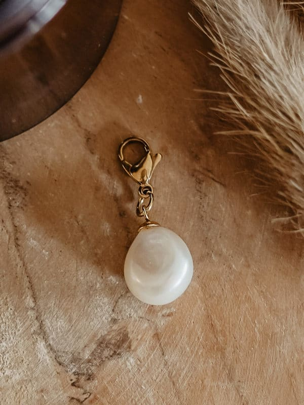Baroque Pearl Charm Gold